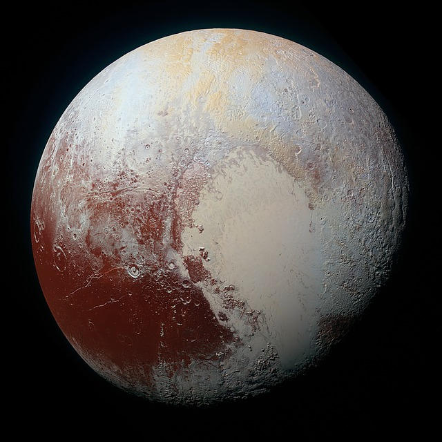 New Horizons above the Planet Pluto