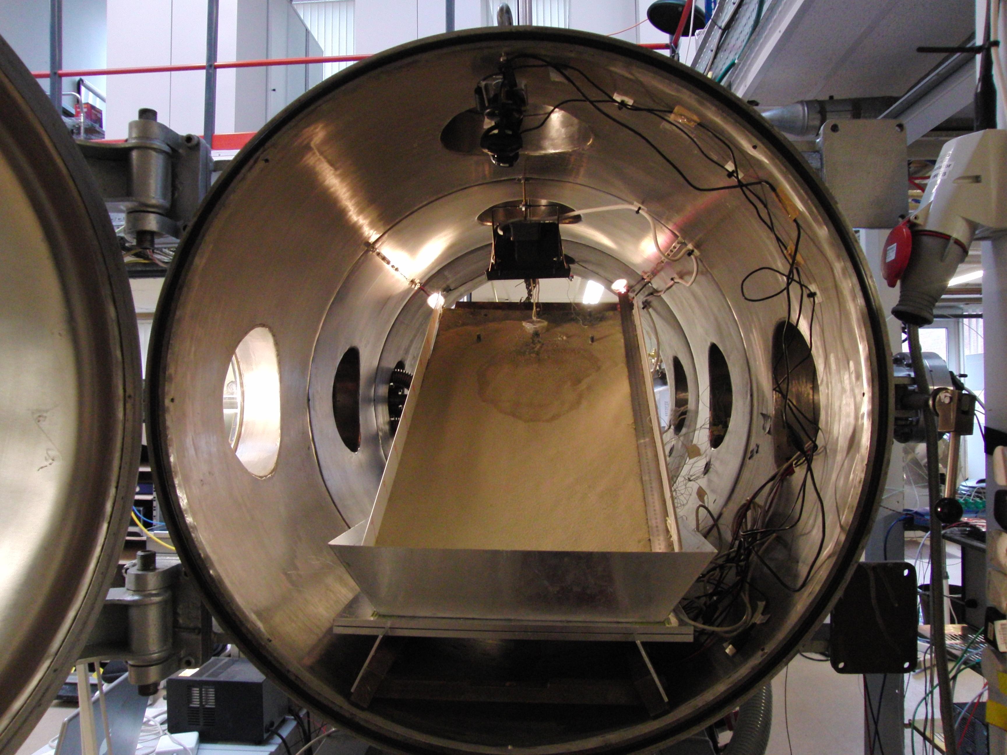 Mars simulation chamber