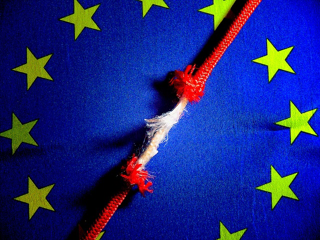 EU Flag - breaking connections