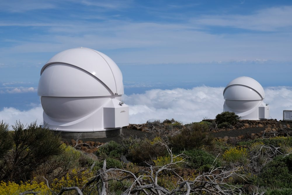 Robotic telescopes COAST and PIRATE / Credit: Alan Cayless (The Open University)